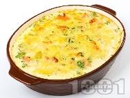 Вкусна и лесна зеленчукова запеканка с картофи, праз лук, шунка, яйца, прясно мляко и кашкавал на фурна